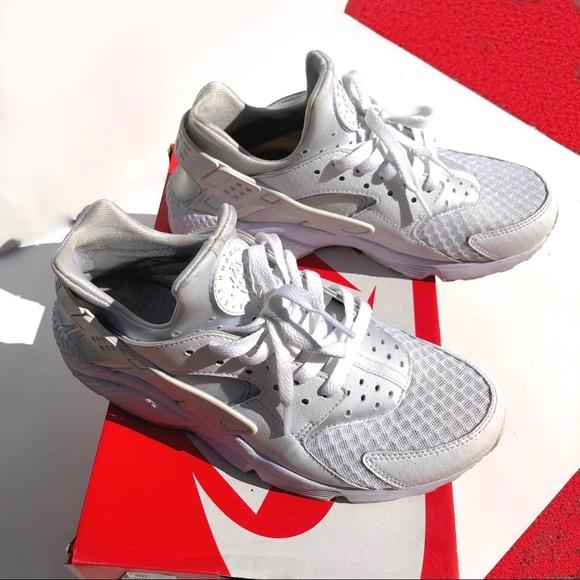 Nike Shoes | Triple White Huaraches